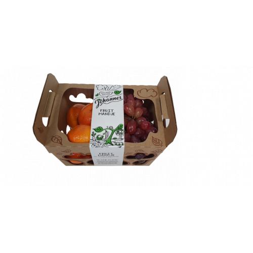 Fruitmand met druiven en mandarijnen